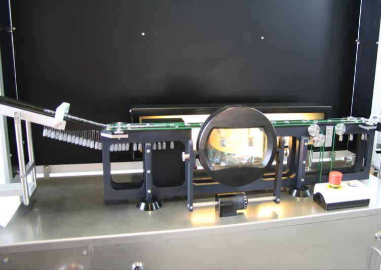 Линия полуавтоматической инспекции шприцев и линия сборки шприцев